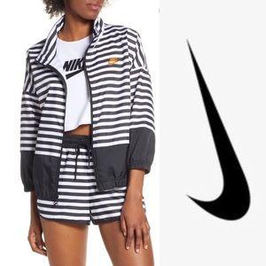 Nike black and white striped wind breaker NWT